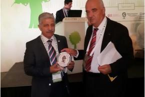رئيس بلدية سلفيت يشارك في مؤتمر الطاقة البديلة و المتجددة و الأبنية الخضراء